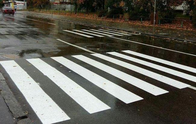 Фото: Пешеходный переход на Оболони (facebook.com/autokiev.info)