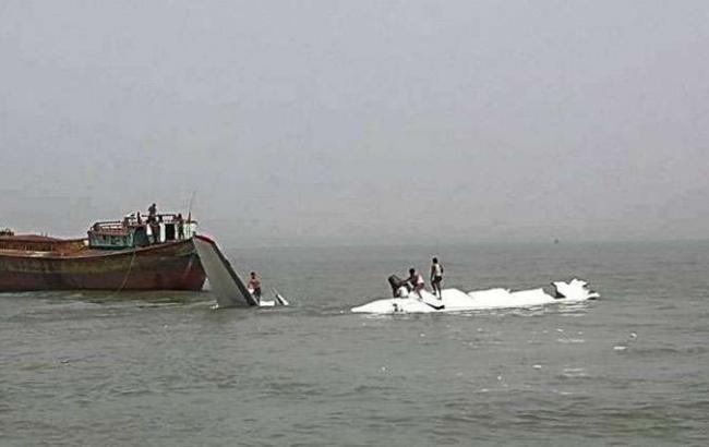 Количество жертв крушения в Бангладеш самолета АН-26  выросло до трех человек
