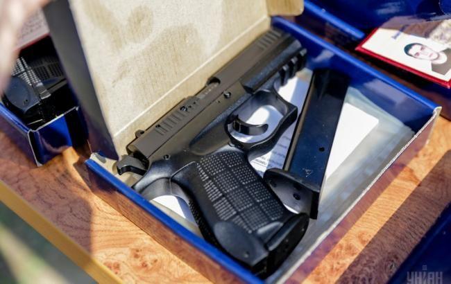 САП передала в Генпрокуратуру справу щодо видачі нагородної зброї співробітниками МВС