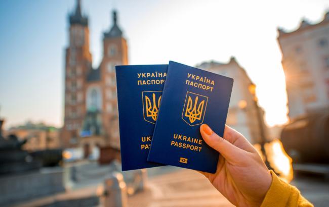 Стало известно, сколько украинцев опробовали на практике безвиз