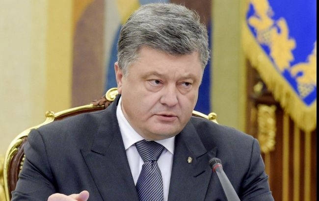 П.Порошенко поручил обеспечить вещание украинских телевизионных каналов наоккупированном Донбассе