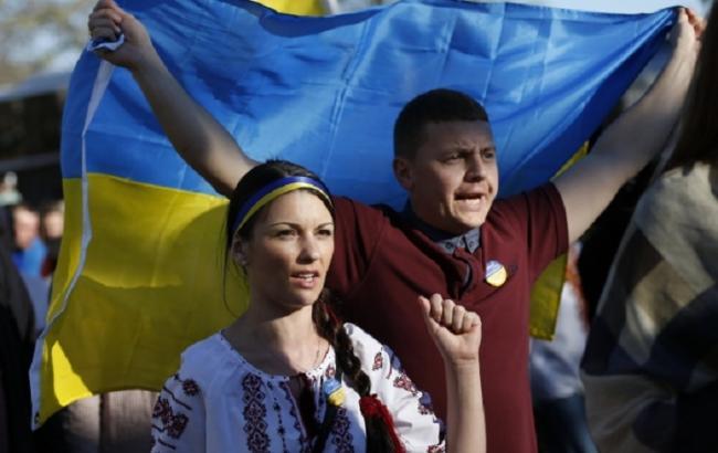 Фото: 38% респондентов считают Украину независимой