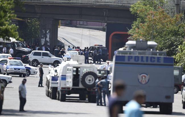 Фото: ситуация в Ереване обостряется