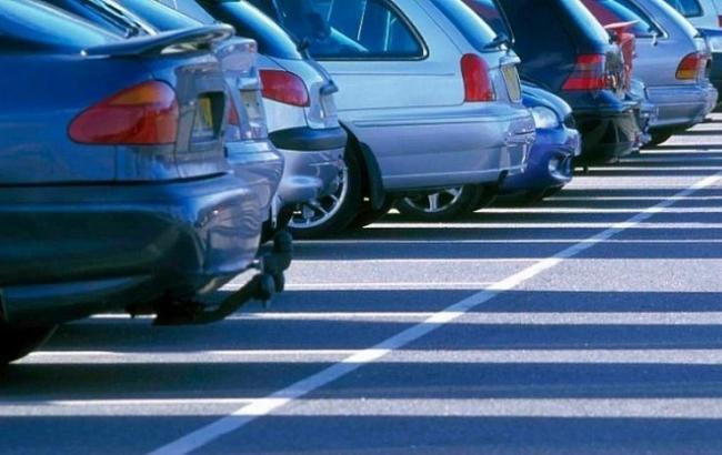 Фото: Припаркованные машины (svopi.ru)
