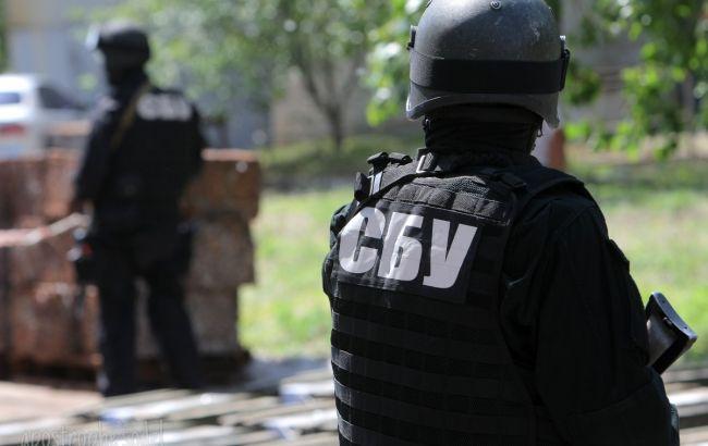 Уэкс-чиновника Харьковщины изъяли оружие, военную форму сшевронамиВС РФ