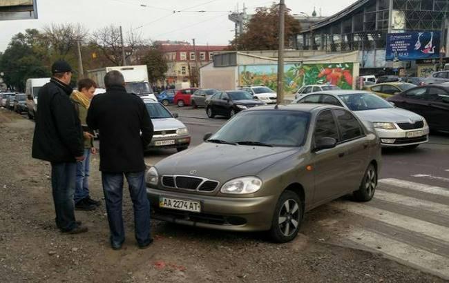 Фото: Автохам получил по заслугам (facebook.com/taras.maximyak)