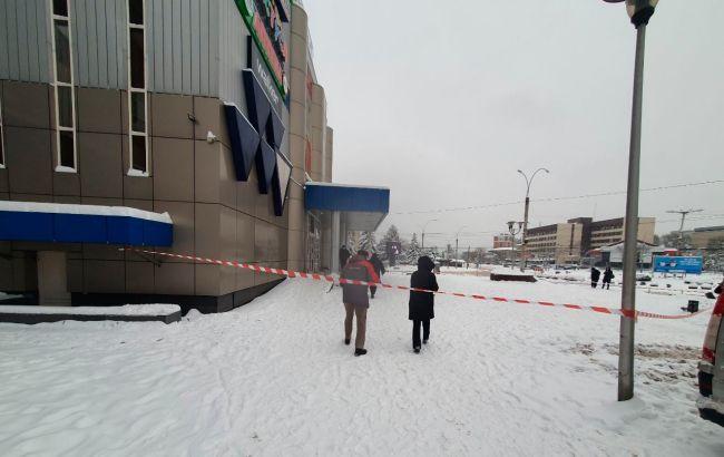 Поліція встановлює причини вибуху в торговому центрі Чернівців