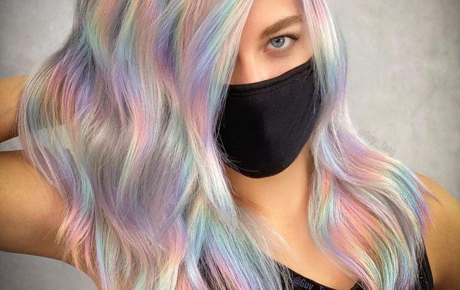 Ефект веселки і горіховий блонд: стиліст назвала 7 трендів фарбування волосся 2021