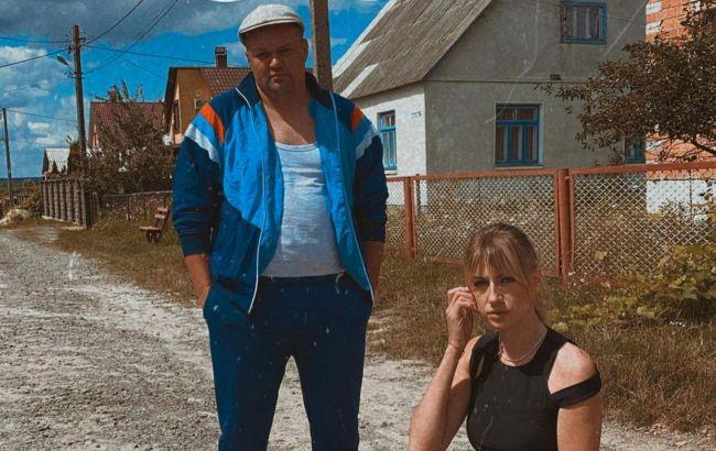 Чисти картоплю, я виїжджаю: Леся Нікітюк схвилювала мережу фото з ефектним чоловіком і зізналася йому в любові