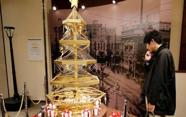 Фото: Японская елка из золота (svopi.ru)
