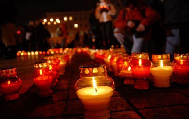 Фото: в Украине сегодня День памяти жертв голодоморов