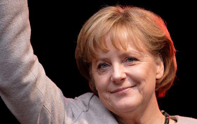 ВБелом доме пояснили, почему Трамп отказался пожимать руку Меркель