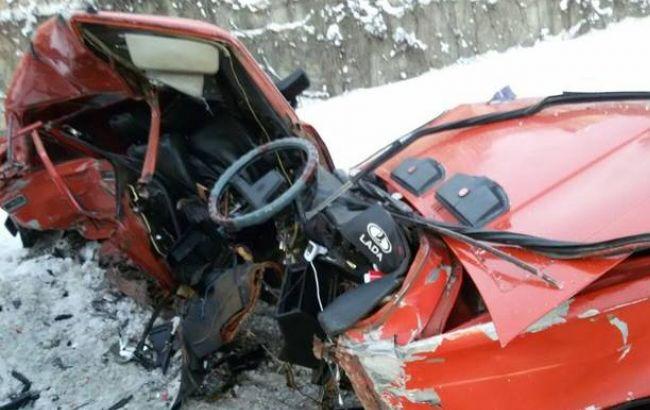 """Фото: автомобіль """"ВАЗ"""" після аварії"""