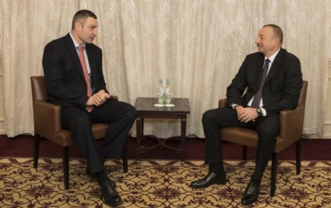 Фото: Виталий Кличко и Ильхам Алиев