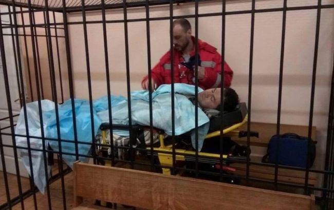 Фото: стан Романа Насірова дозволяє йому перебувати в будівлі суду