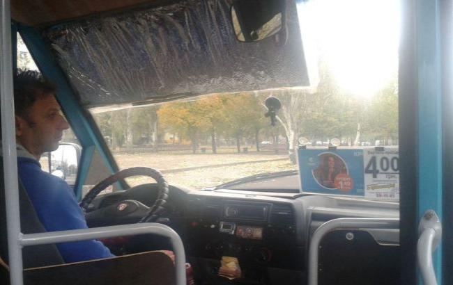 Фото: Водитель маршрутки в Николаеве (facebook.com/olga.tsiparinda)