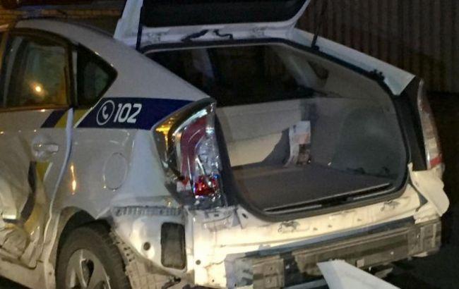 Фото: разбитый в ДТП автомобиль полиции