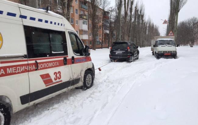Фото: Українці допомагають один одному (facebook.com/mihail.nosalyk)