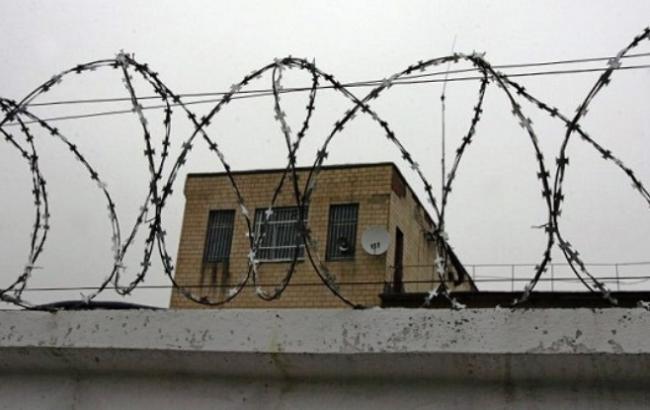Прокуратура розслідує два самогубства у СІЗО та в колонії Одеської області
