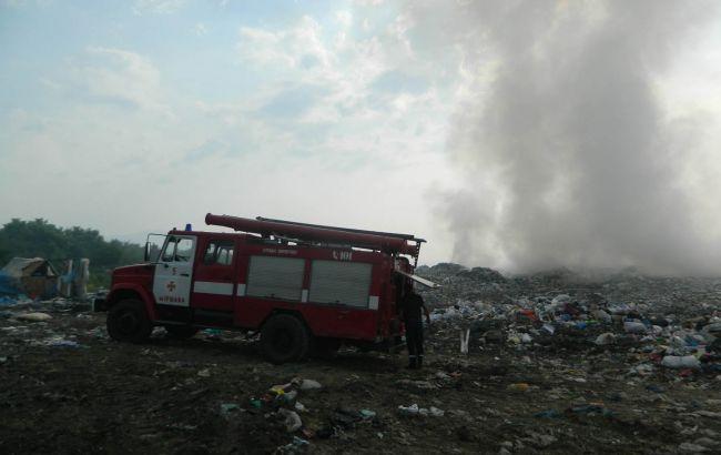 Фото: пожежа на звалищі (ДСНС)