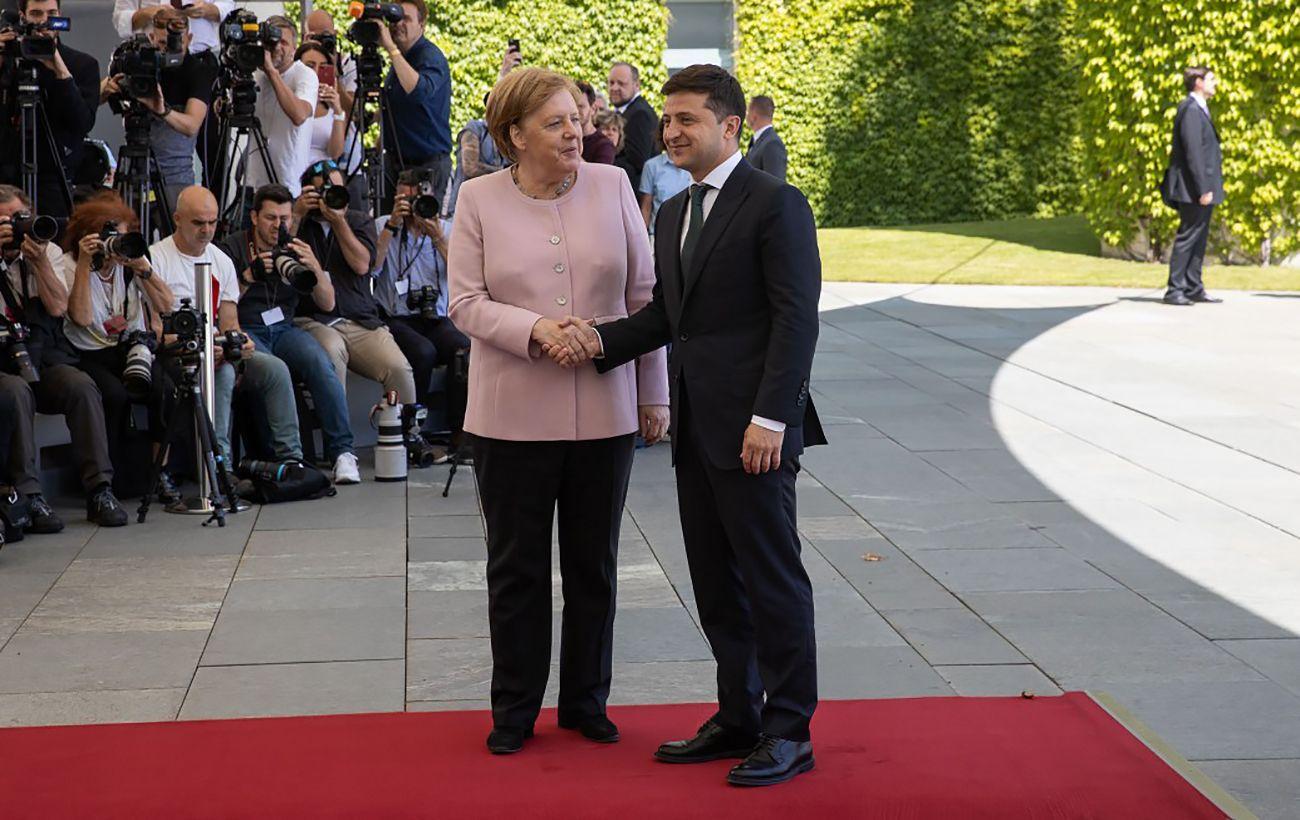 Донбасс и ситуация с G7: стали известны детали разговора Зеленского и Меркель
