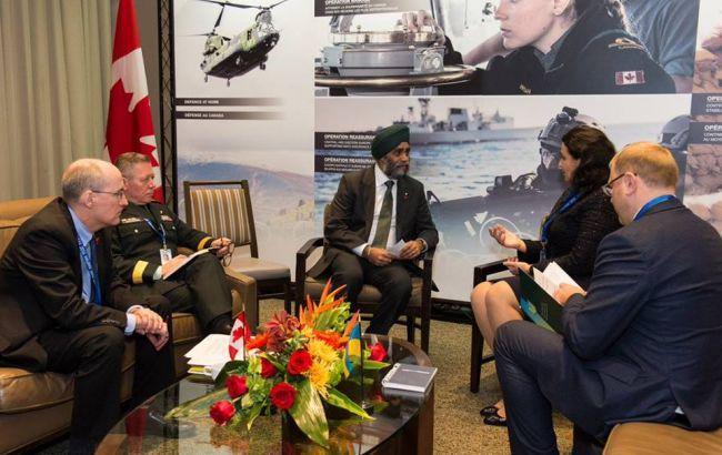 Фото: зустріч української делегації з міністром оборони Канади
