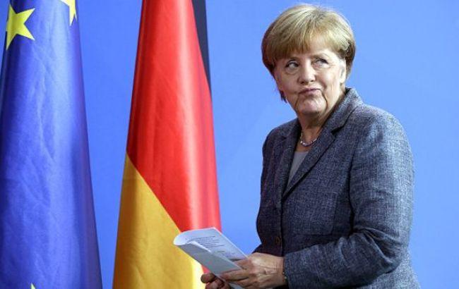 Ангела Меркель скрестит пальцы на удачу