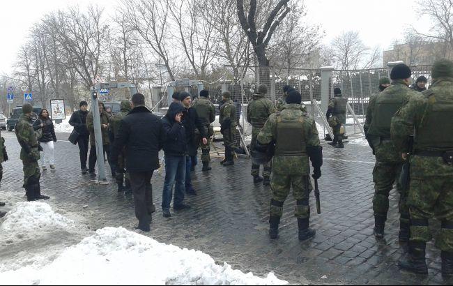 Фото: правоохранители усилили меры безопасности