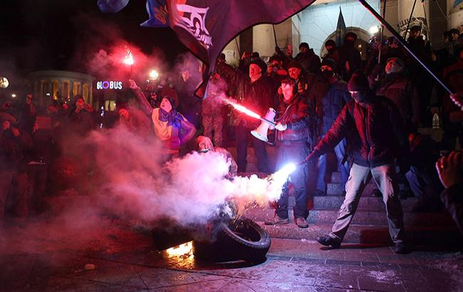 Националисты решили отметить третью годовщину Революции достоинства с огоньком