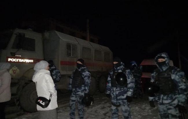 Нічні обшуки в Криму: вже відомо про п'ятьох затриманих