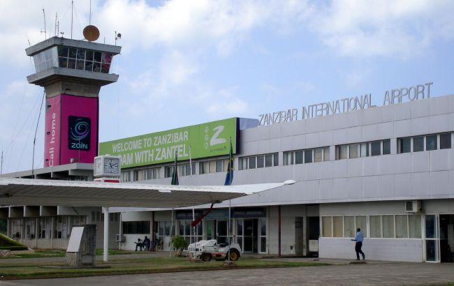 Украинские туристы застряли на Занзибаре. Не могут вылететь около 180 граждан