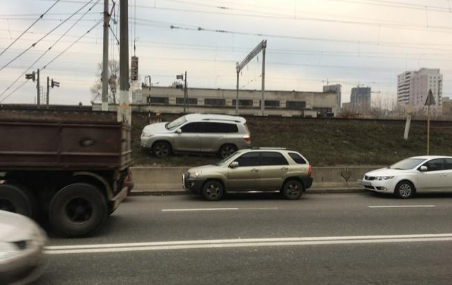 """Фото: Автомобиль """"героя парковки"""" (facebook.com/dtp.kiev.ua)"""