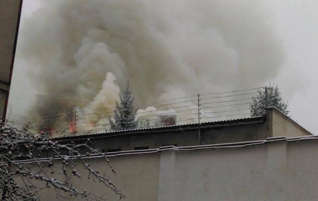 Фото: пожар в СИЗО в Ужгороде