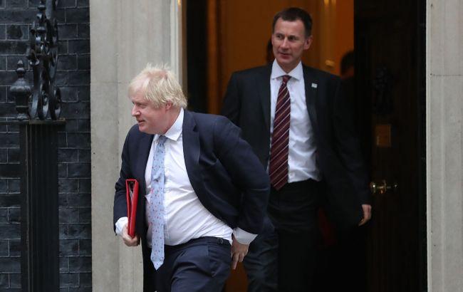 На пост премьера Великобритании претендуют Хант и Джонсон