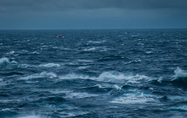 Кирилловку накрыл сильный шторм: море смыло пляжи (видео)