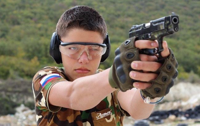 """За неделю до трагедии в Керчи оккупанты в """"Артеке"""" обучали детей стрельбе"""