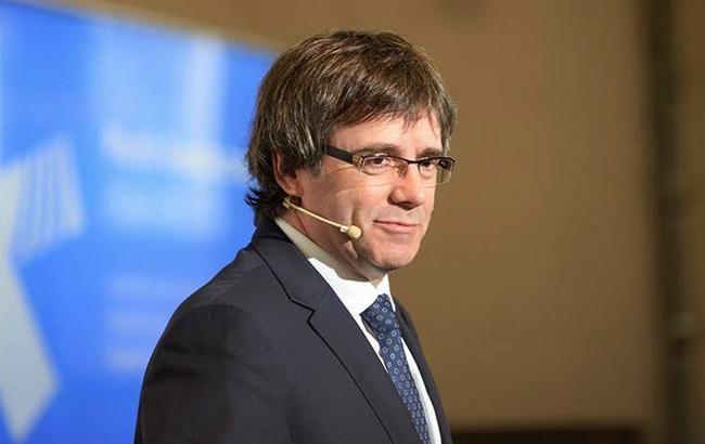 ВИспании суд выдал международный ордер наарест Пучдемона