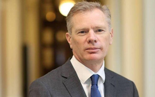 Задержанный в Тегеране посол Британии покинул Иран