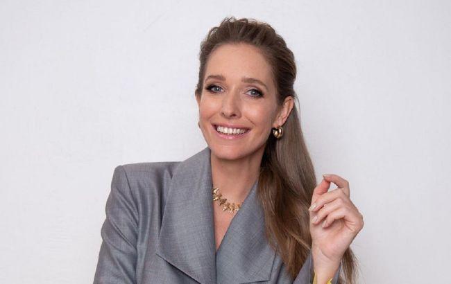 Дівчина-весна: Катя Осадча заворожила ніжним образном з пікантним декольте