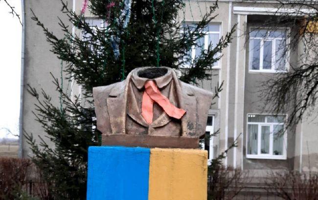 На Прикарпатье осквернили памятник Шевченко