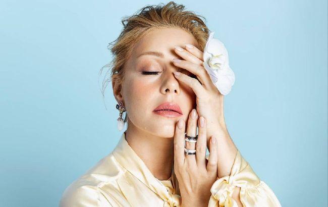 Тина Кароль восхитила натуральной красотой на фото без макияжа