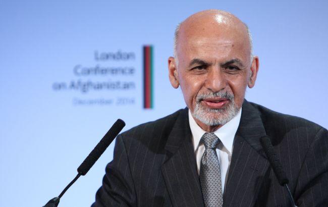 Президент Афганістану проведе зустріч з Байденом на тлі наступу талібів