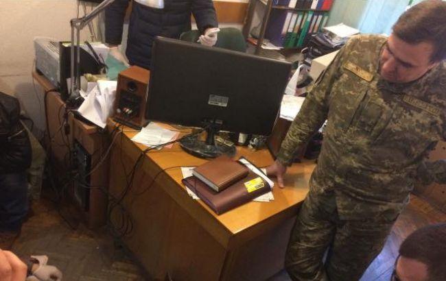 В Одесі на хабарі у 350 тис. гривень затримали чиновника Міноборони