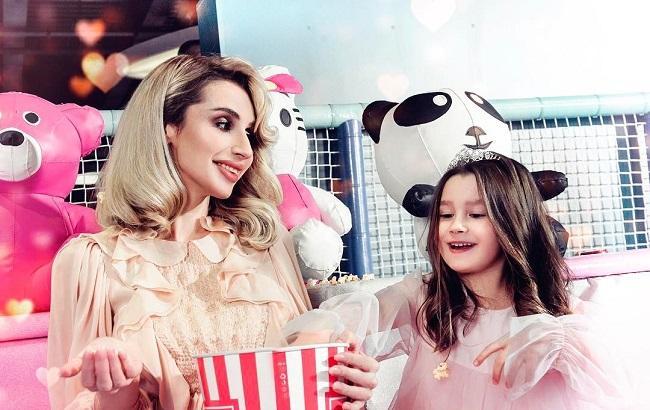 Фото: Світлана Лобода з донькою Євою (instagram/lobodaofficial)