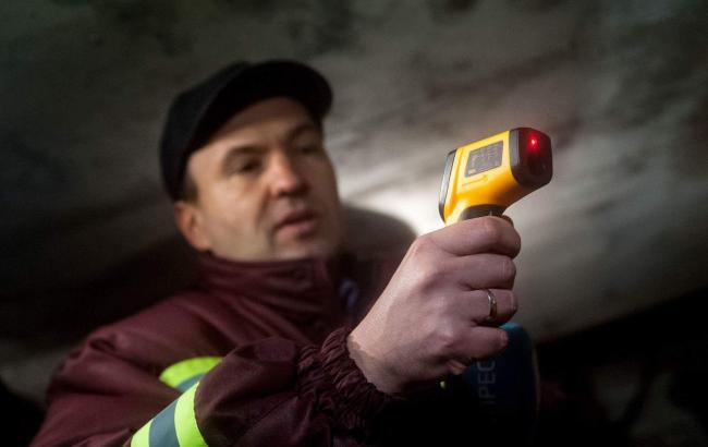 Фото: Пантелеєв інспектує квартири киян