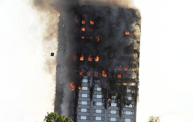 Пожежа в Лондоні: кількість загиблих зросла до 12 осіб