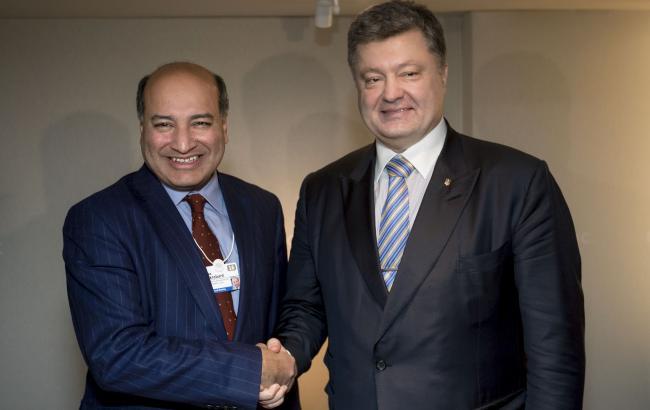 Фото: президент Украины Петр Порошенко встретился с президентом ЕБРР Сумой Чакрабарти