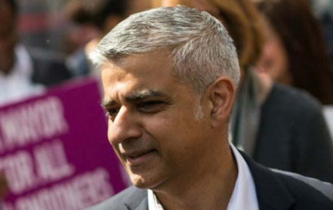 """Новый мэр Лондона заявил, что партия Кэмерона действует в """"стиле Трампа"""""""