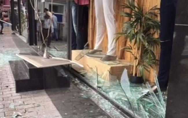 Вцентре Стамбула произошел взрыв наавтобусной остановке