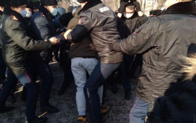 На протестах у Казахстані затримали майже сотню активістів